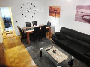 Wohnzimmer einer vermittelten Wohnung in Augsburg