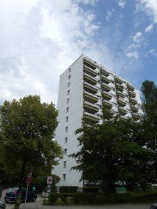 Außenansicht vermittelte 2-Zimmer-Wohnung mit Aussicht in München