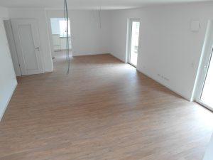 Leeres Wohnzimmer moderne Wohnung München